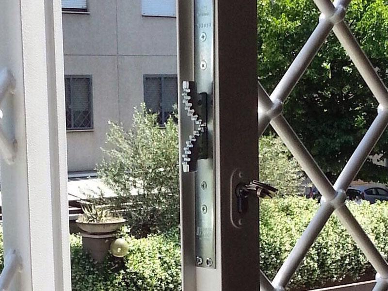 foto installazioni grate serratura progetti roma portfolio serramenti82 roma